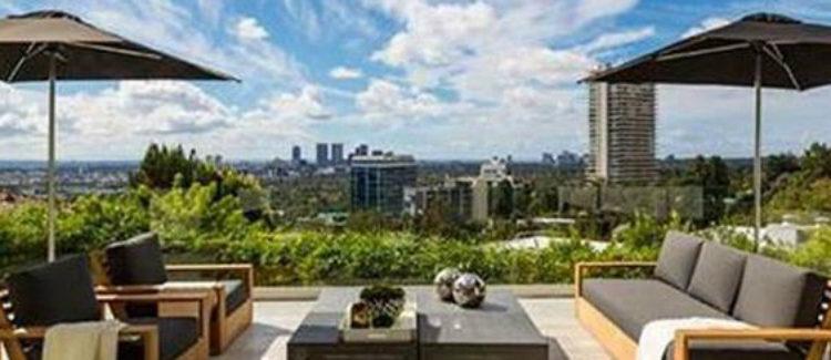 Terraza con increíbles vistas a la ciudad del millonario 'casoplón' de Harry Styles
