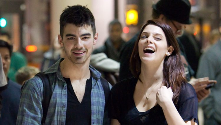 Joe Jonas Revela Lo Que Hizo Para Perder Su Virginidad Con Ashley