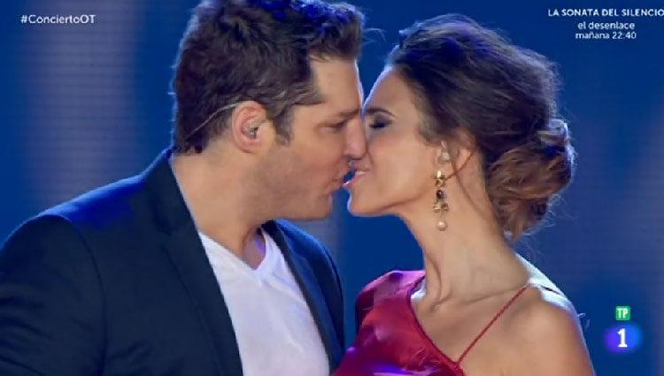Tenorio y Fergó besándose/ rtve.es