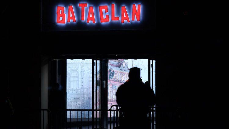 La sala Bataclan con sus puertas abiertas casi un año después del atentado