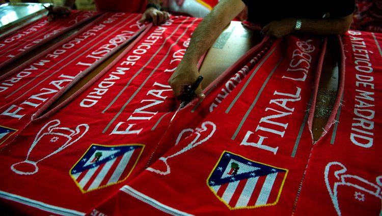 Bufandas del Atlético de Madrid con motivo de la final de Champions de 2014