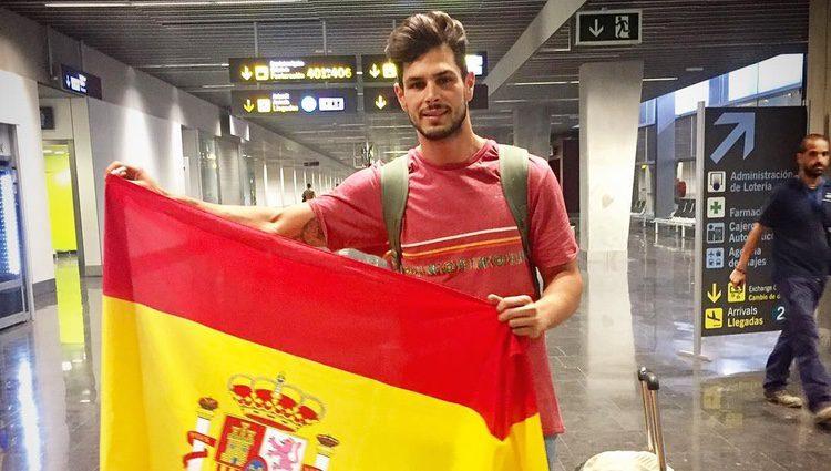 Alejandro Nieto viaja hacia la India para acudir al certamen. Fuente: Instagram