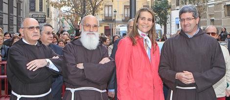 La Infanta Elena cumple con la tradición de visitar al Cristo de Medinaceli el primer viernes de marzo