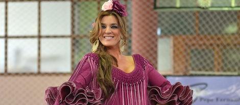 Raquel Bollo en el desfile benéfico de Pepe Fernández en el Colegio Santa Ana de Sevilla