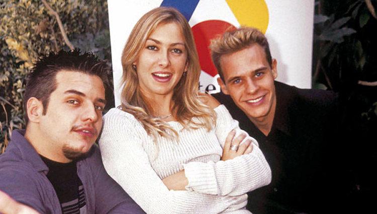 Kira Miró con sus compañeros de 'Desesperado Club Social' Víctor Serrano y Christian Gálvez