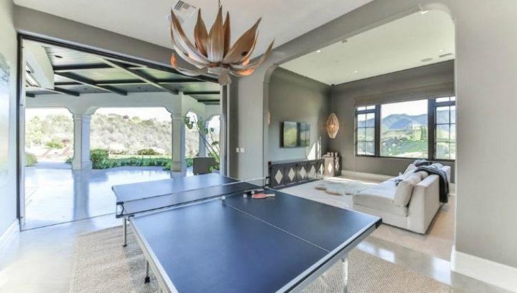 La mansión de Britney Spears en Los Ángeles también presume de sala de juegos y sala de cine
