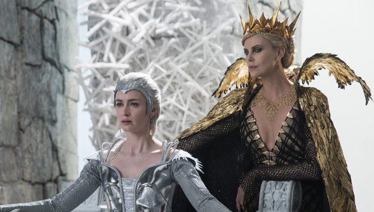Blancanieves el cazador y la reina del hielo pelicula 2016