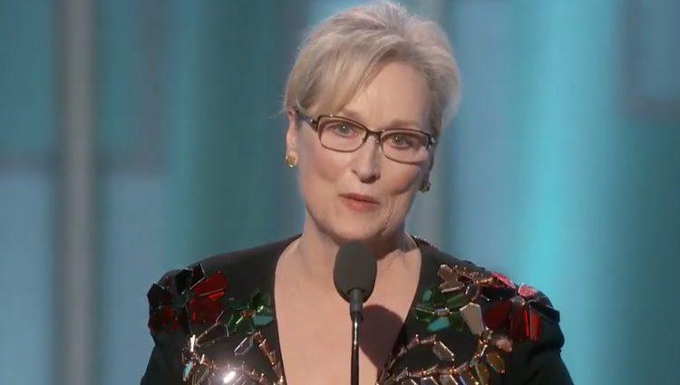 Meryl Streep emocionada en su discurso en los Globos de Oro 2017