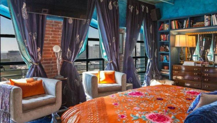 Una de las habitaciones del inmenso ático de Johnny Depp en Los Ángeles con detalles bohemios