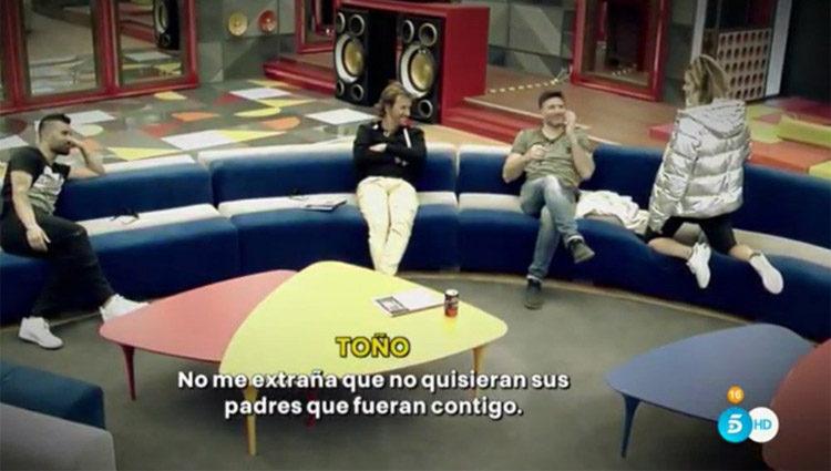 Tutto, Alejandro y Toño se ríen con la anécdota de Alyson durante su adolescencia | telecinco.es