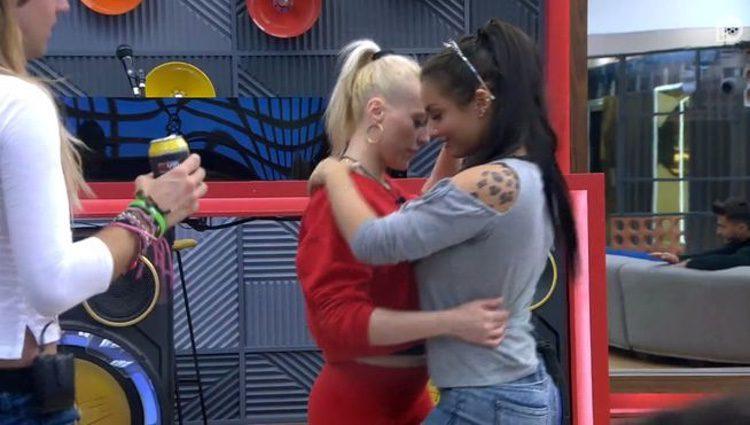 Daniela Blume y Elettra bailando en la casa de 'GH VIP5' / Foto: Telecinco.es