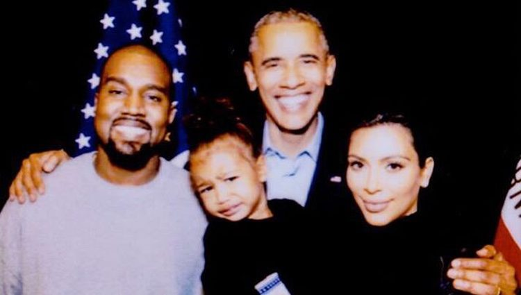 Kim Kardashian publica esta imagen junto a Kanye West, su hija y Barack Obama para despedirse del presidente de Estados Unidos