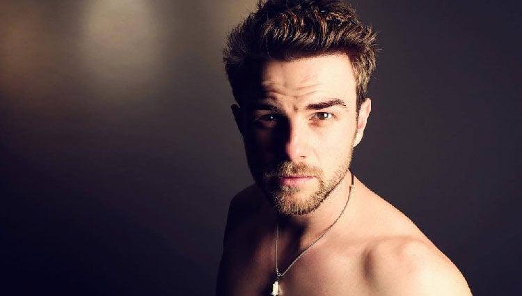 El actor Buzolic muy sexy en su cuenta de Instagram