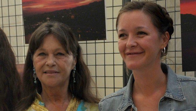 Marisol con su madre María Esteve