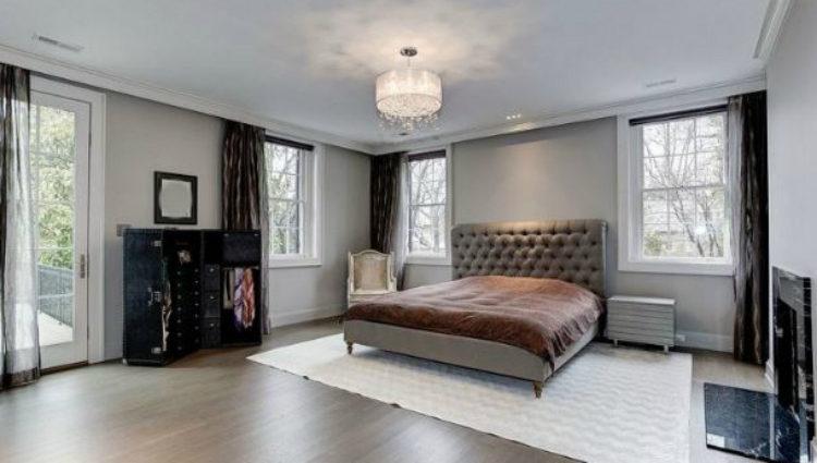 Dormitorio principal de la nueva mansión de Ivanka Trump en el lujoso barrio de Kalorma