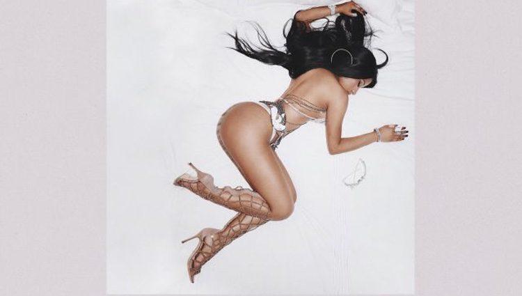 Portada del nuevo single de Nicki Minaj 'Regrets In Your Tears'