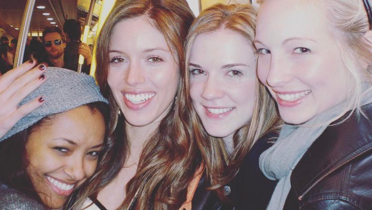 Kat Graham, Kayla Ewell, Sara Canning y Candice King, actrices de 'The vampire diaries'/ Fuente: Instagram Candice King