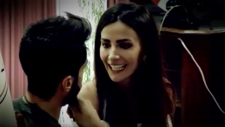 Aylén le recrimina a Marco que haya escrito su nombre en la pierna de Alyson | telecinco.es