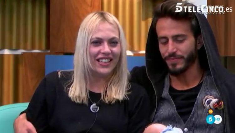 Daniela y Marco están muy unidos y separados del resto | telecinco.es