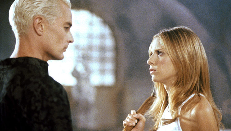 Spike y Buffy, personajes de la exitosa serie 'Buffy, cazavampiros'