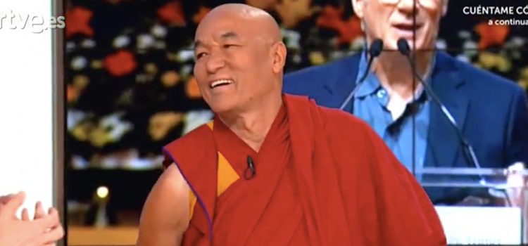 Un monje budista visita a Richard Gere en 'Hora Punta'