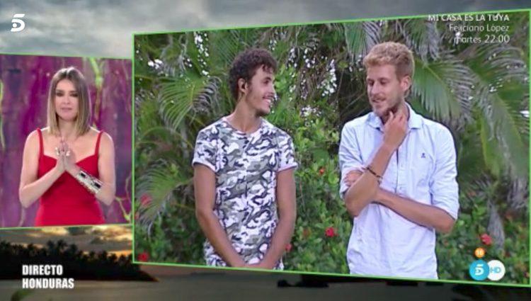 Kiko Jiménez y Alejandro Caracuel durante 'Conexión Honduras' / Fuente: Telecinco.es