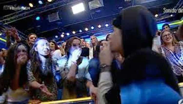 Justin Bieber saludando a Andreíta / Antena3.com