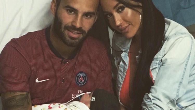 Jesé sorprende a Aurah Ruiz en el hospital / Instagram