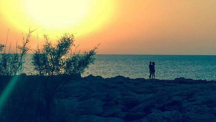 Daniel Muriel y Candela Serrat disfrutando de una pusta de sol/ Fuente: Instagram Daniel Muriel