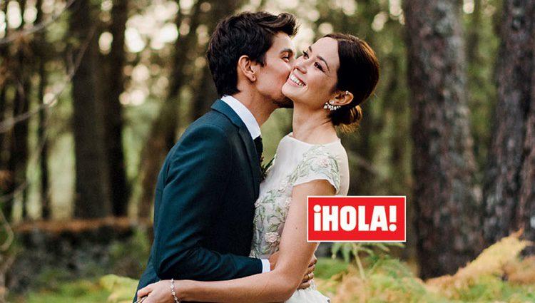 Mario Chavarría con Dafne Fernández el día de su boda para la revista ¡Hola!