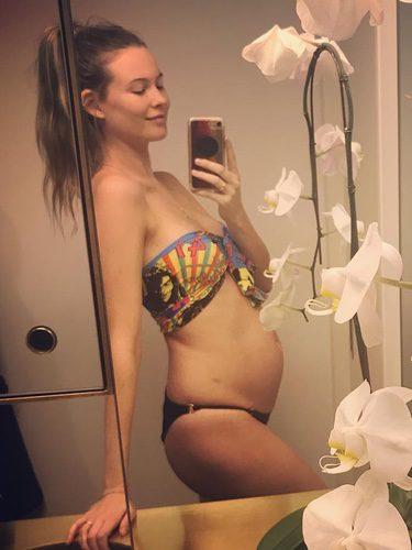 Behati Prinsloo embarazada / Instagram