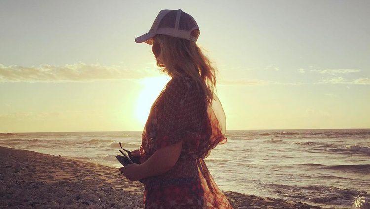 Heather Locklear posando en su Instagram. Fuente: Instagram @heatherlocklear