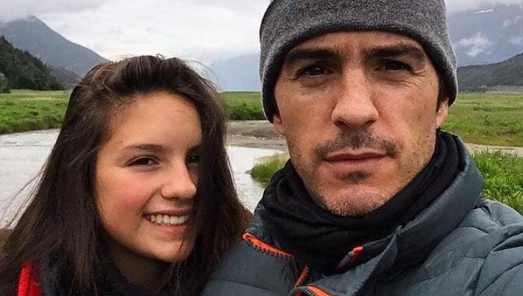 Mauricio Ochmann junto a su hija Lorenza (Instagram)