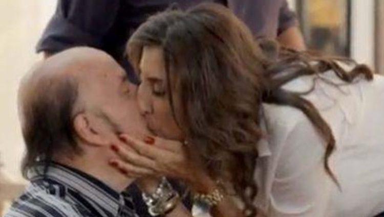 Paz Padilla besa a Chiquito de la Calzada