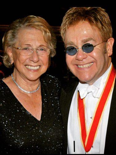 Elton John y su madre