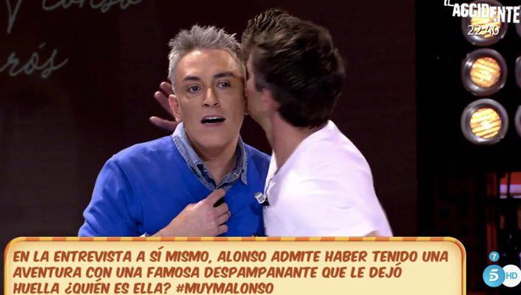 Alonso Caparrós contándole a Kiko Hernandez su affaire con Esther Arroyo