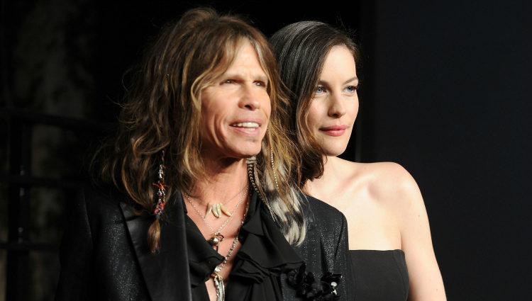 Steve Tyler, vocalista de Aerosmith, junto a su hija, la actriz Liv Tyler
