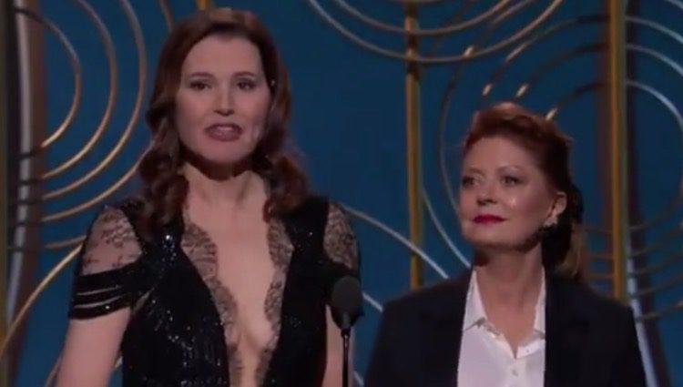 Geena Davis y Susan Sarandon en los Globos de Oro 2018 Fuente: Twitter
