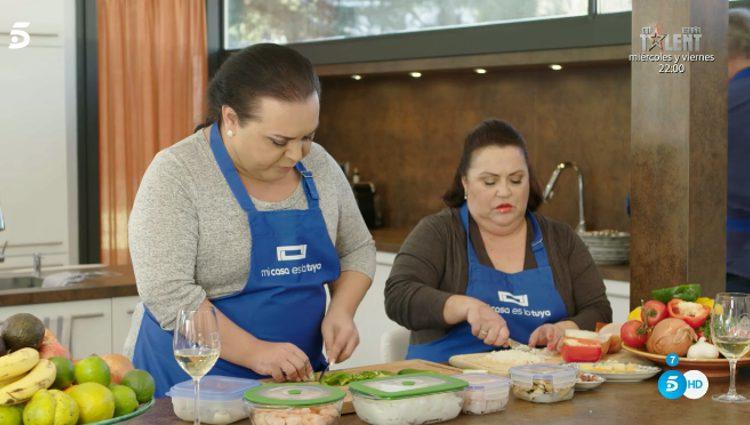 Falete y su madre en la cocina de 'Mi casa es la tuya'