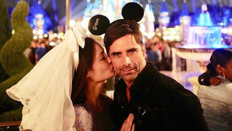 Caitlin McHugh y John Stamos en Disneyworld/Foto: Instagram