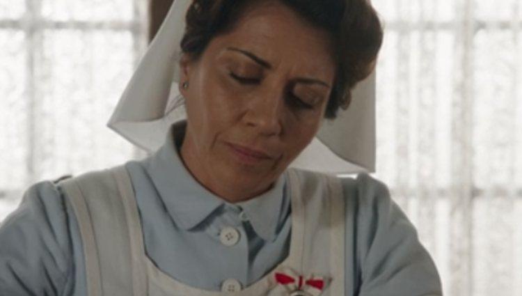 Carmen Angoloti se despide del hospital en 'Tiempos de guerra'