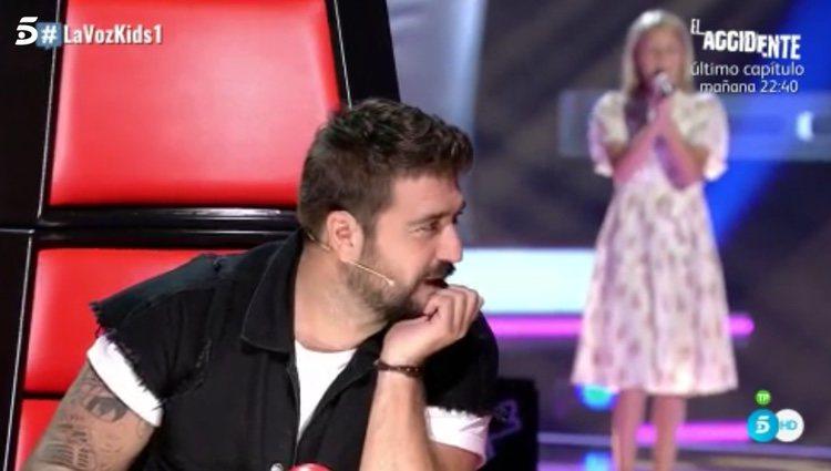 Antonio Orozco se queda mudo al escuchar la voz de Allegra | Fuente: Telecinco.es