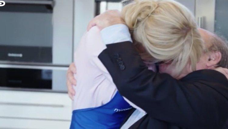 Belén Rueda y Antonio Resines se besaron apasionadamente en el programa de 'Mi casa es la tuya' l telecinco.es