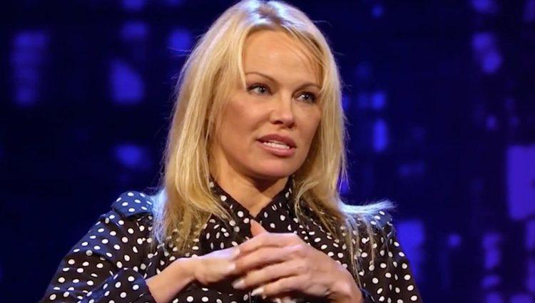 Pamela Anderson durante la entrevista
