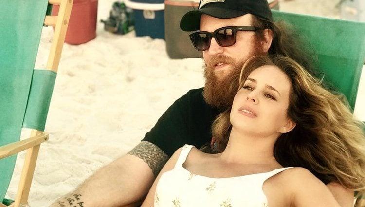 Lucie Silvas con su marido / Instagram