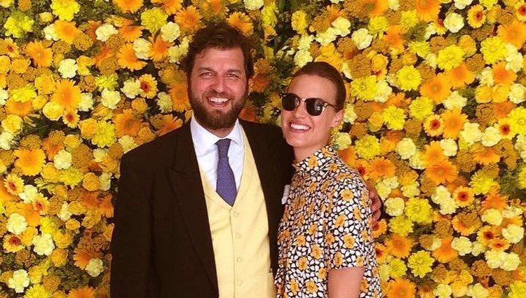 El Príncipe Casimir, junto a su prometida, Alana Bunte | Foto: Instagram