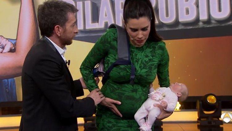 Pilar Rubio embarazadísima de su tercer hijo | Fuente: Antena 3