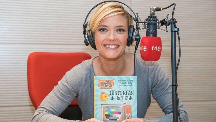 María Casado presentando su nuevo libro en RNE