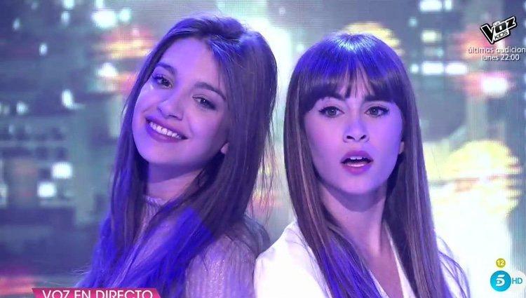 Aitana y Ana Guerra tras cantar 'Lo malo' / Foto: telecinco.es