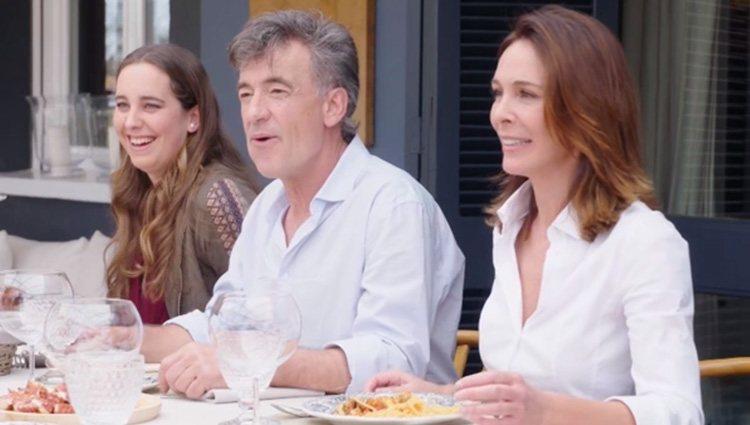 Lydia Bosch, Francis Lorenzo y Marieta Beilsa en 'Mi casa es la tuya'